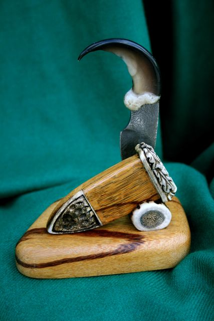 Gallery Of Carved Damascus Swords Knives Amp Daggers